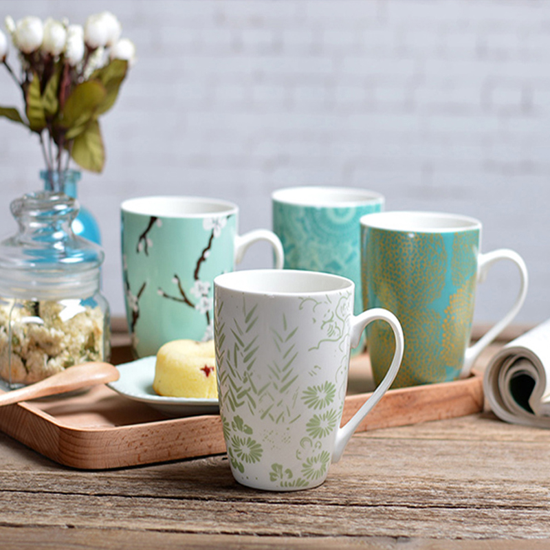 Aangepaste cafeïnevrije bedrukking witte 100% melamine koffiemok met nieuw ontwerp