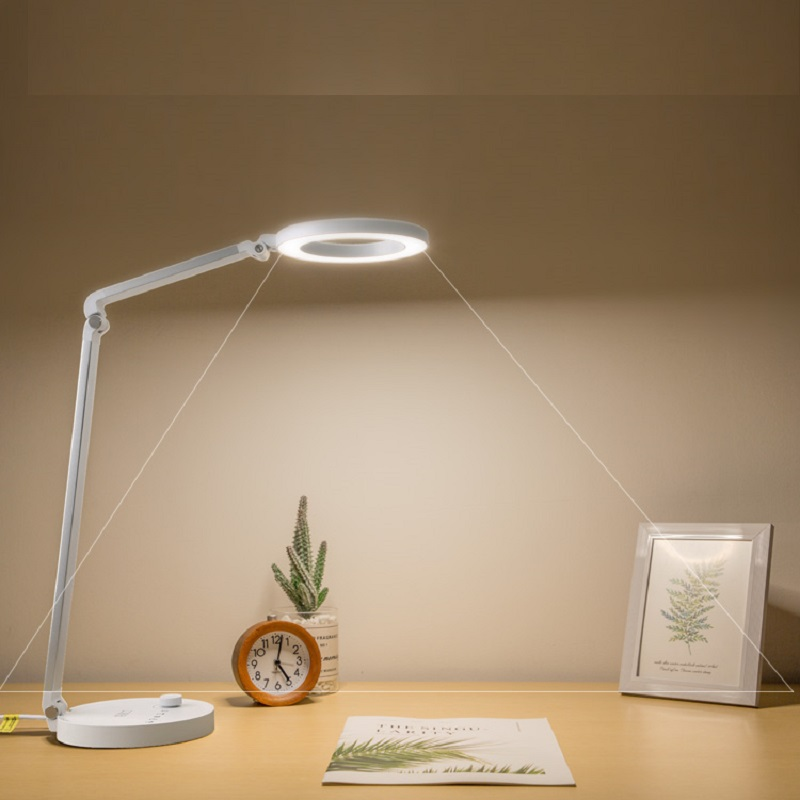 688L dimmable en CCT tuning led desk lamp met usb