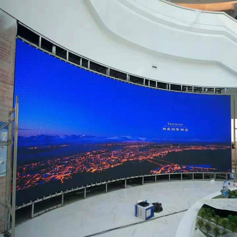 Indoor P3 gebogen ontwerp LED-scherm